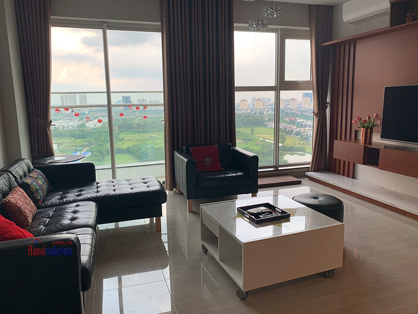 Beautiful opened Golf course view 03BRs apartment on high floor L4 Ciputra 3