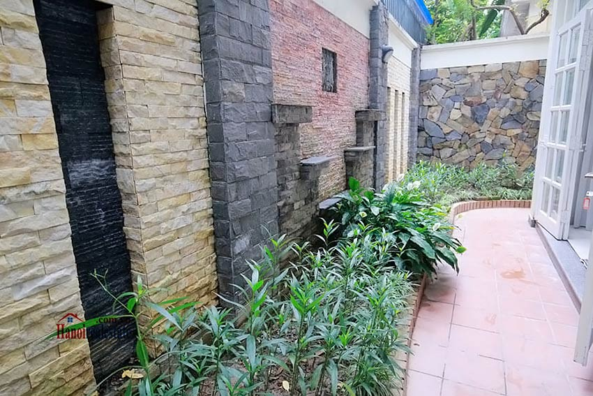 BEAUTIFUL villa to let in D block Ciputra, open view, fully furnished 11