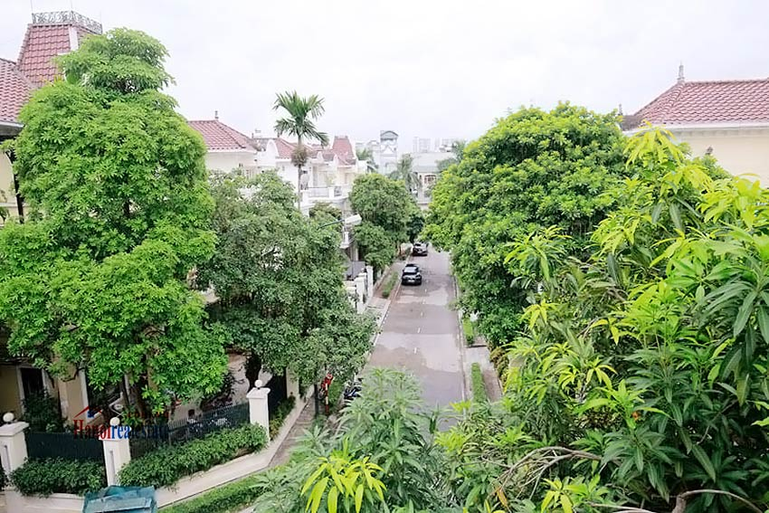 BEAUTIFUL villa to let in D block Ciputra, open view, fully furnished 28