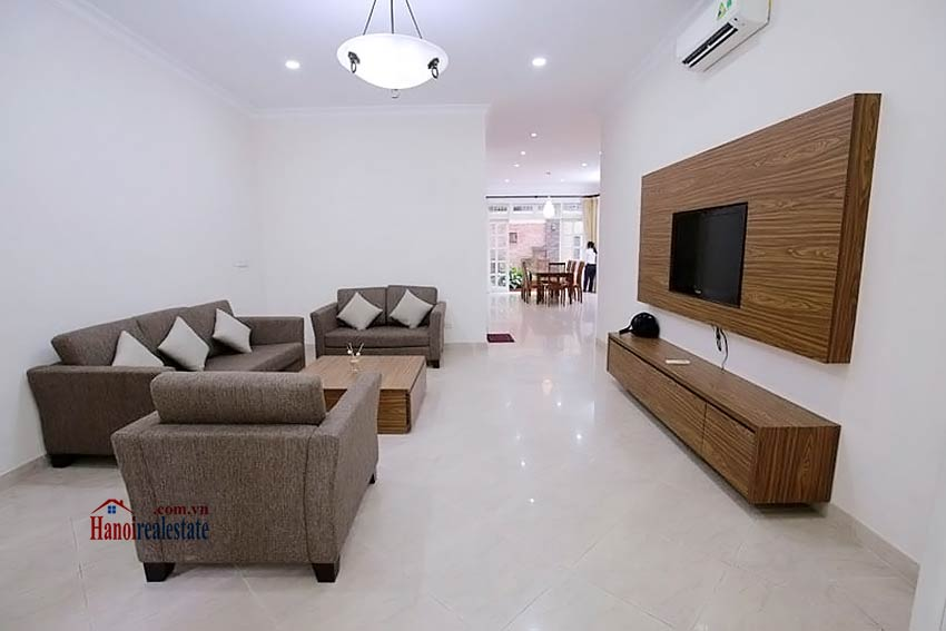 BEAUTIFUL villa to let in D block Ciputra, open view, fully furnished 4