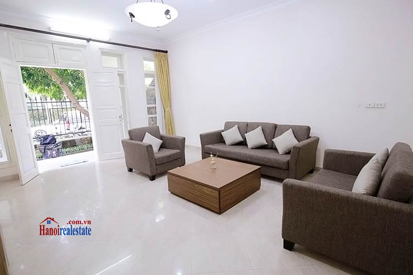 BEAUTIFUL villa to let in D block Ciputra, open view, fully furnished 5