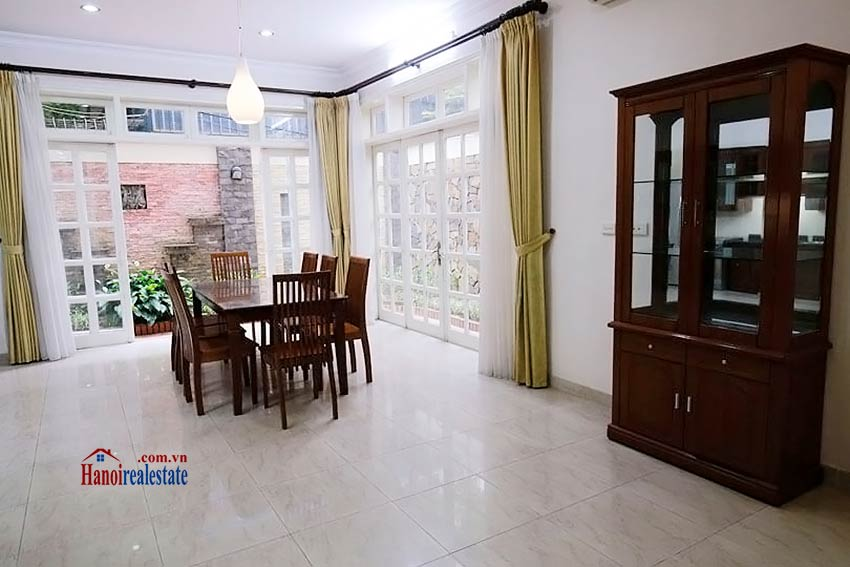 BEAUTIFUL villa to let in D block Ciputra, open view, fully furnished 6