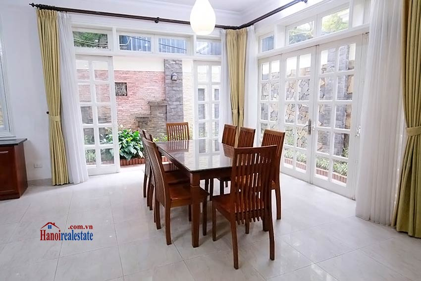 BEAUTIFUL villa to let in D block Ciputra, open view, fully furnished 7