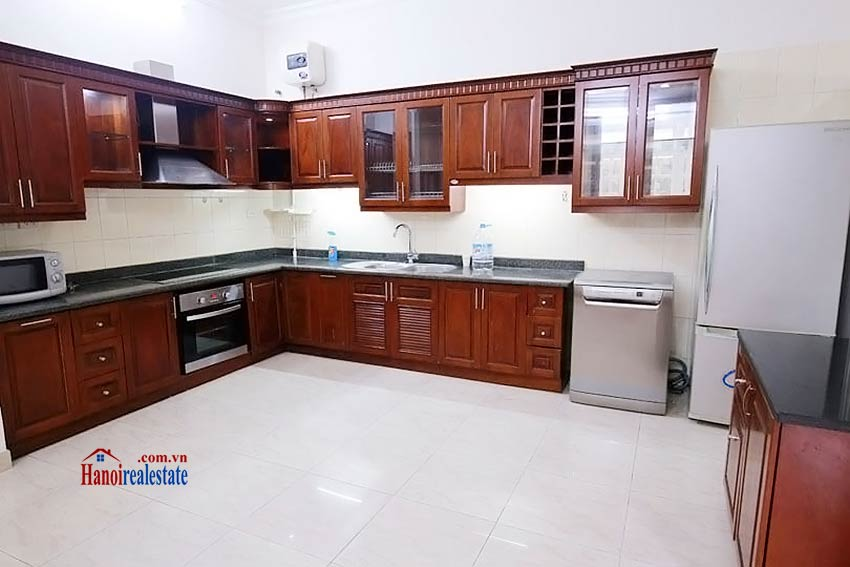BEAUTIFUL villa to let in D block Ciputra, open view, fully furnished 9