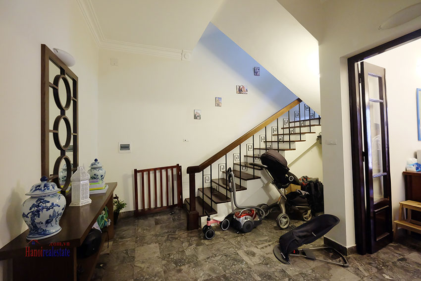 Big courtyard & furnished house in the heart of Tay Ho to rent 11