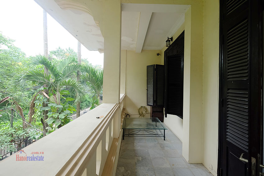 Big courtyard & furnished house in the heart of Tay Ho to rent 14