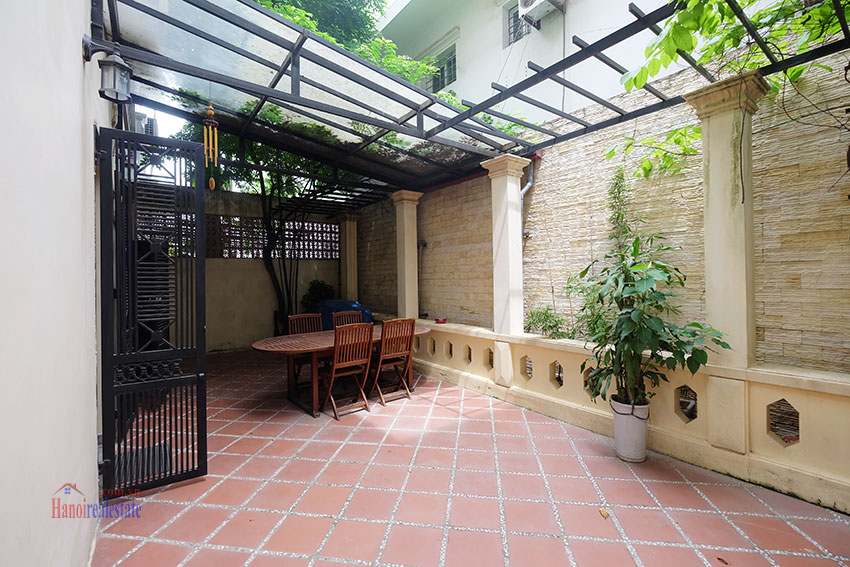 Big courtyard & furnished house in the heart of Tay Ho to rent 4