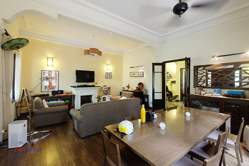 Big courtyard & furnished house in the heart of Tay Ho to rent 5