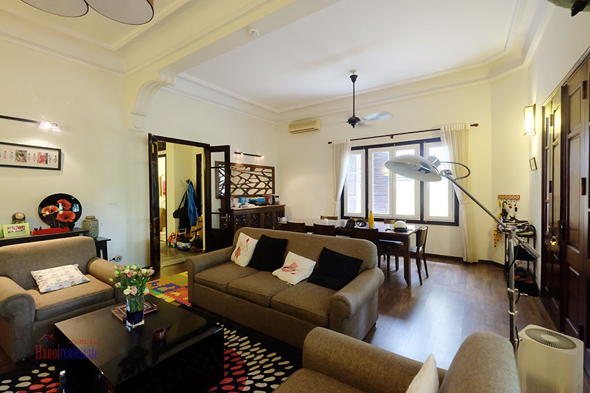 Big courtyard & furnished house in the heart of Tay Ho to rent 6