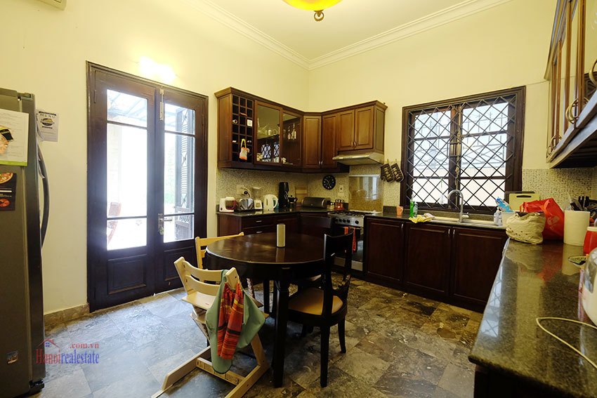 Big courtyard & furnished house in the heart of Tay Ho to rent 8
