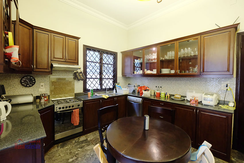 Big courtyard & furnished house in the heart of Tay Ho to rent 9