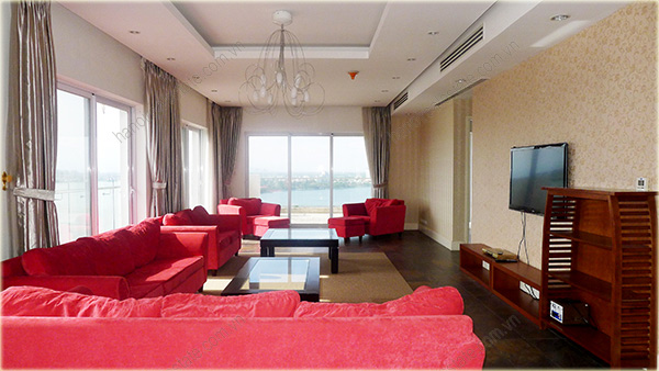 Big Lakeview Flat at Golden West Lake with large living room and balcony 5