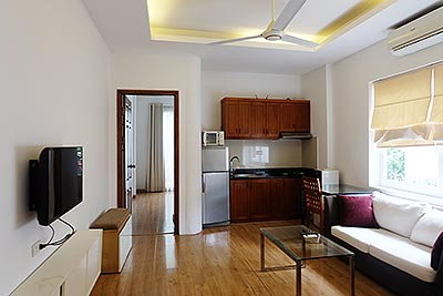 Bight and airy 01 bedroom serviced apartment in Ba Dinh Dist