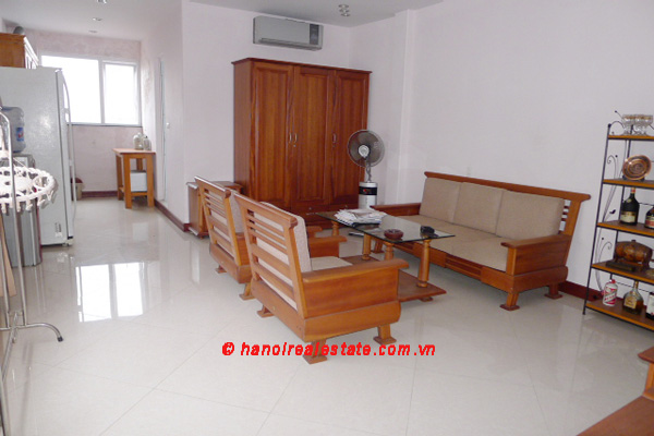 Bight apartment for lease in the center of Hanoi 1