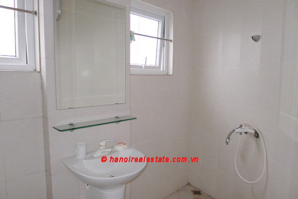 Bight apartment for lease in the center of Hanoi 14