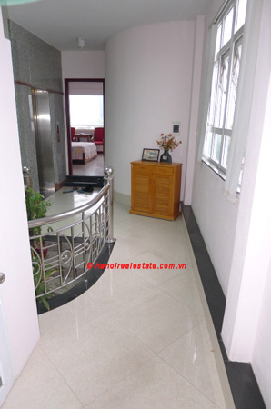 Bight apartment for lease in the center of Hanoi 3