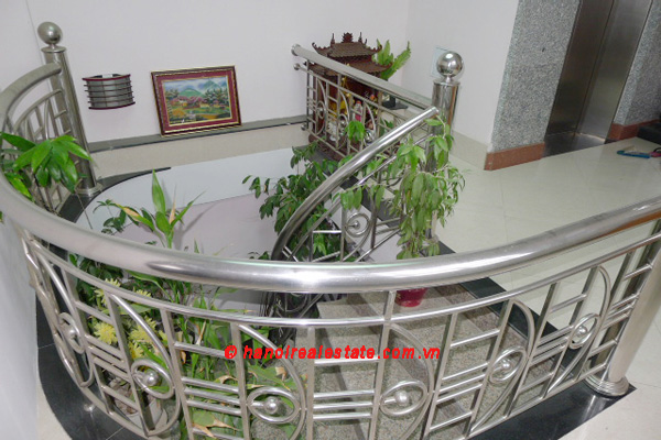 Bight apartment for lease in the center of Hanoi 4