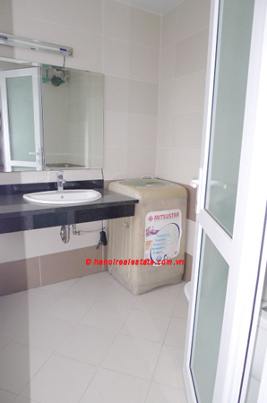 Bight apartment for lease in the center of Hanoi 7