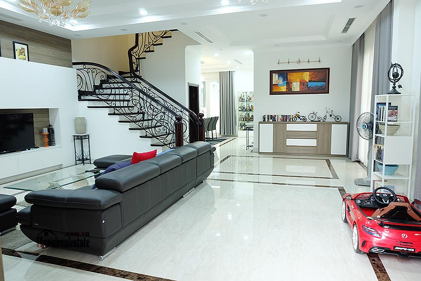Brand new 03BRs villa in Anh Dao, 5 mins to Vincom Plaza 3