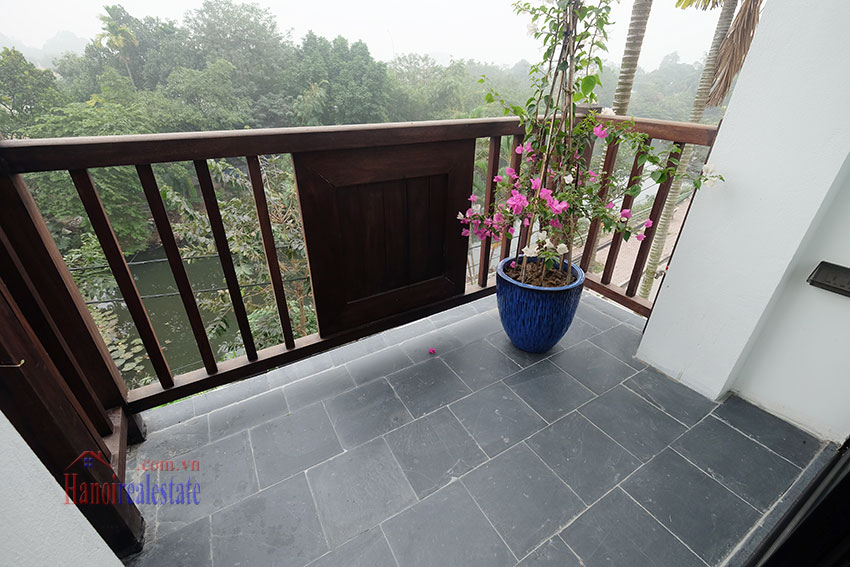 Brand new 2-bedroom apartment with balcony in Xom Chua 7