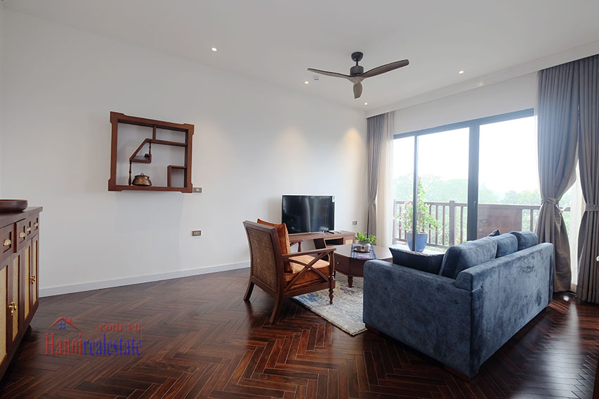 Brand new 2-bedroom apartment with balcony in Xom Chua 1