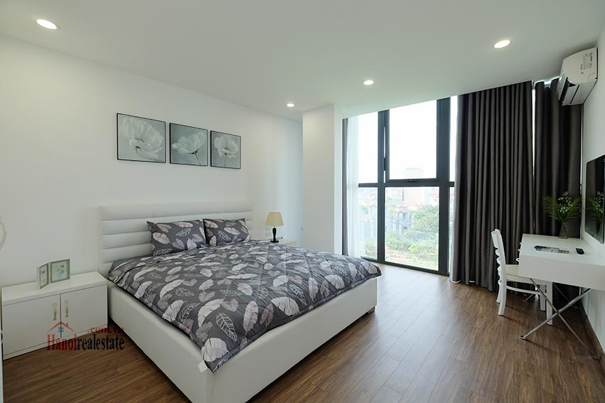 Brand new 3 bedroom apartment with lake view on Xuan Dieu 10