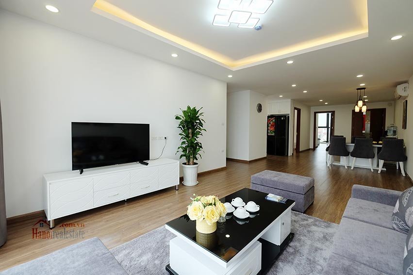 Brand new 3 bedroom apartment with lake view on Xuan Dieu 3
