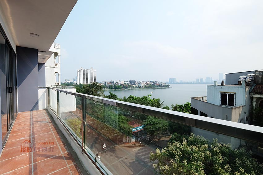 Brand new 3 bedroom apartment with lake view on Xuan Dieu 4
