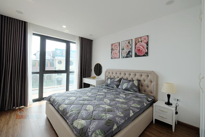 Brand new 3 bedroom apartment with lake view on Xuan Dieu 8