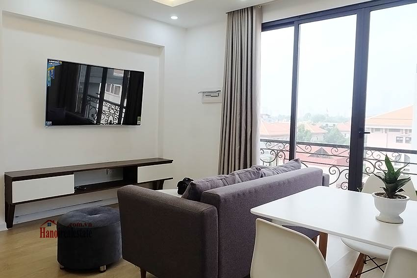 Brand new apartment to rent in Ba Dinh, walking distance to Le Nin park 2