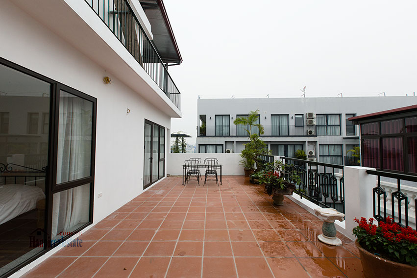 Brand new apartment with a large balcony at Tu Hoa corner 12