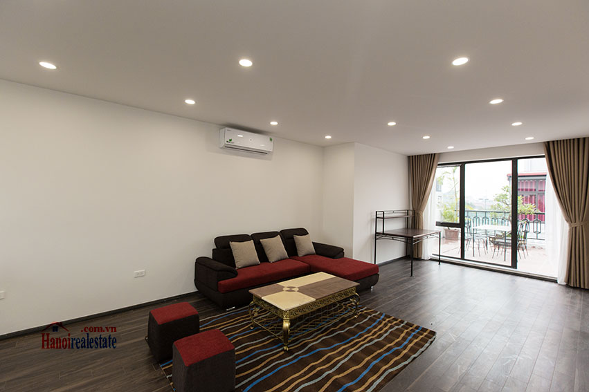 Brand new apartment with a large balcony at Tu Hoa corner 2