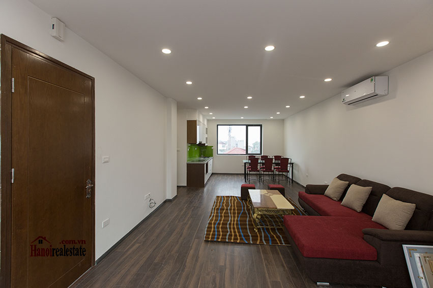 Brand new apartment with a large balcony at Tu Hoa corner 4