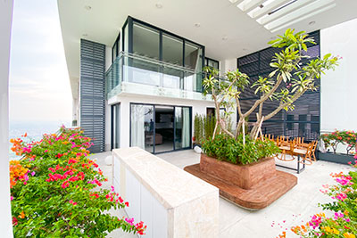 Brand new luxurious Penthouse at Ngoai Giao Doan with a patio, Westlake view