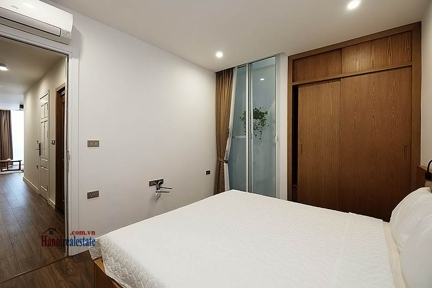 Brand new & modern 1-bedroom apartment for rent on Mac Dinh Chi, Truc Bach 9