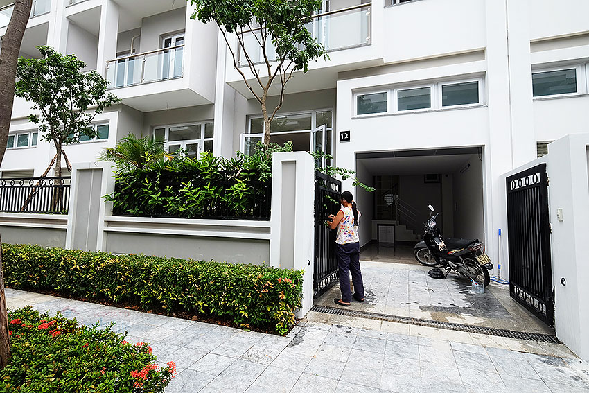 Brand new peaceful 05BRs house in K block Ciputra, unfurnished 2