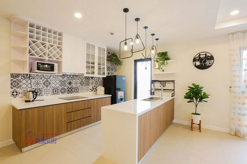 Brand new, spacious apartment for rent in Kosmo Tay Ho 9