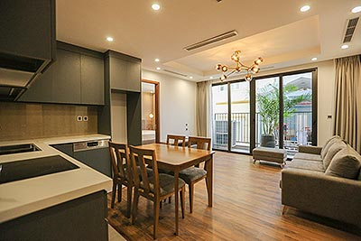 Brandnew 02 bedroom apartment on Tu Hoa with FREE swimming pool, car access