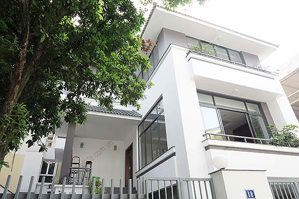 Brand-new, fully furnished 04BRs villa for rent at Tay Ho, with swimming pool. 1