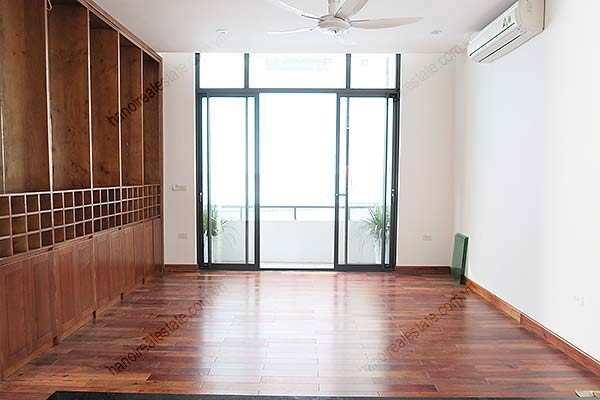 Brand-new, fully furnished 04BRs villa for rent at Tay Ho, with swimming pool. 24