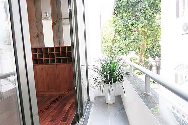 Brand-new, fully furnished 04BRs villa for rent at Tay Ho, with swimming pool. 25