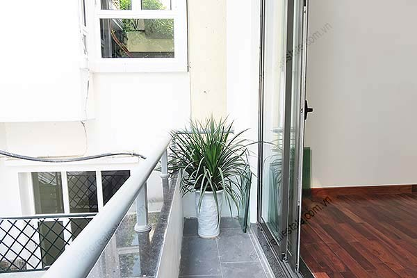 Brand-new, fully furnished 04BRs villa for rent at Tay Ho, with swimming pool. 26