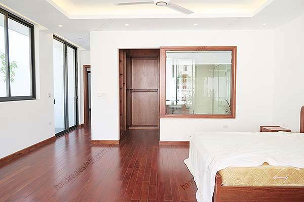 Brand-new, fully furnished 04BRs villa for rent at Tay Ho, with swimming pool. 31