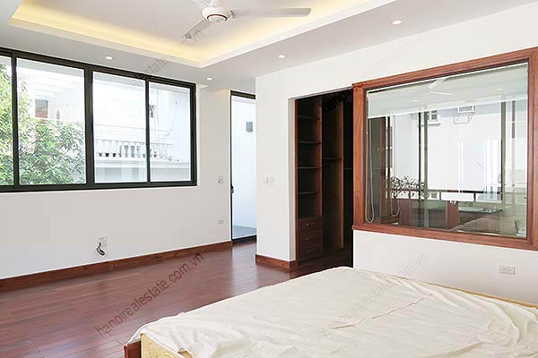 Brand-new, fully furnished 04BRs villa for rent at Tay Ho, with swimming pool. 32