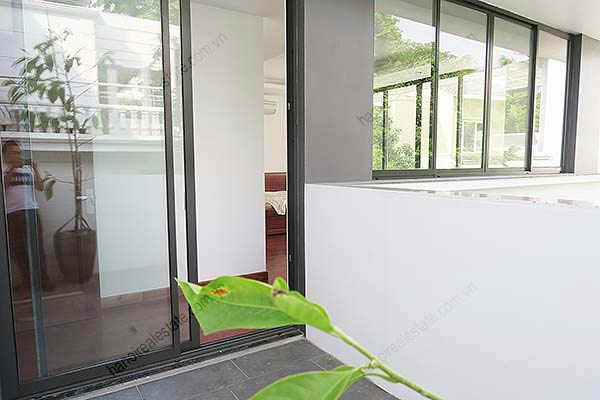 Brand-new, fully furnished 04BRs villa for rent at Tay Ho, with swimming pool. 35