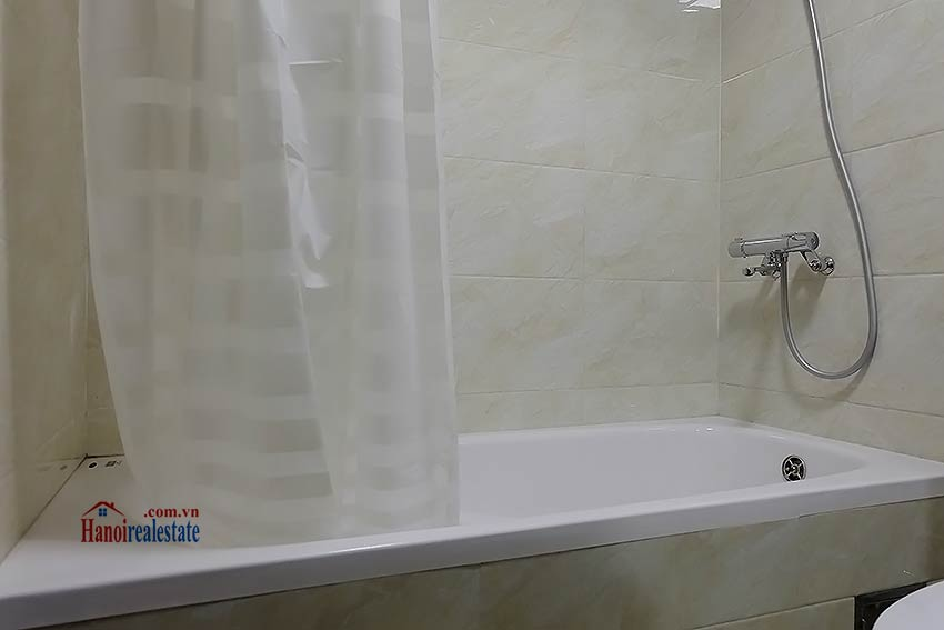 Brand-new serviced apartment in Xuan Dieu, 2 bedrooms, balcony 14