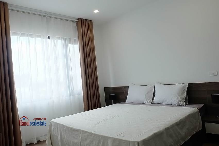 Brand-new serviced apartment in Xuan Dieu, 2 bedrooms, balcony 15