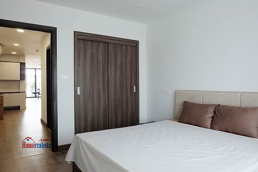 Brand-new serviced apartment in Xuan Dieu, 2 bedrooms, balcony 16