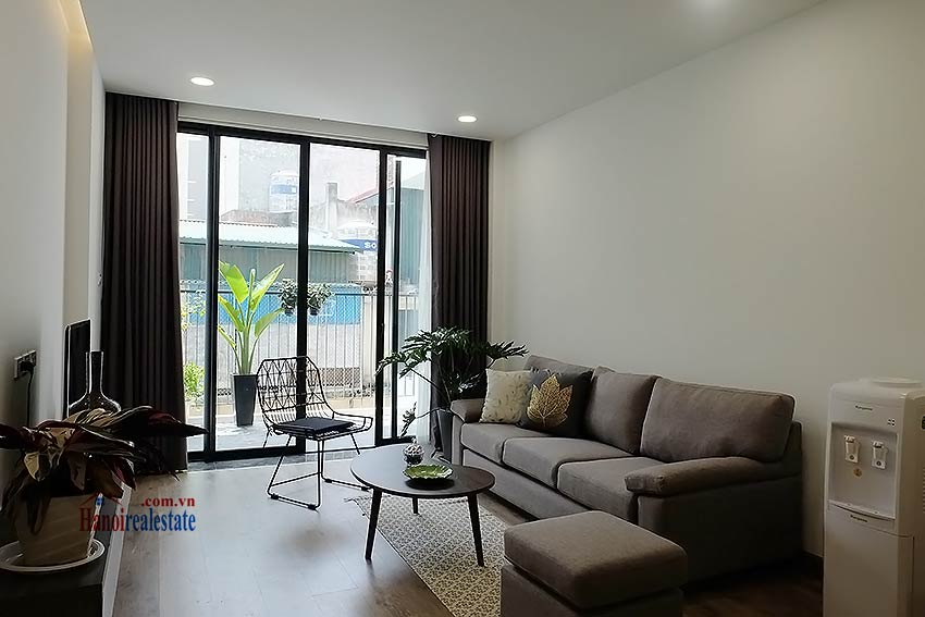 Brand-new serviced apartment in Xuan Dieu, 2 bedrooms, balcony 4
