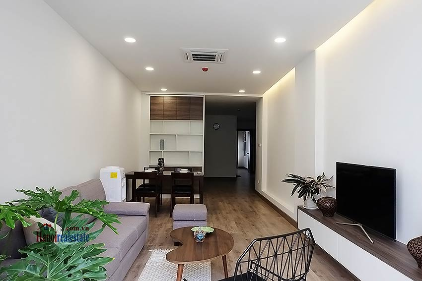 Brand-new serviced apartment in Xuan Dieu, 2 bedrooms, balcony 5
